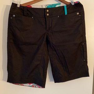 EUC Lululemon shorts size 12. Low rise.